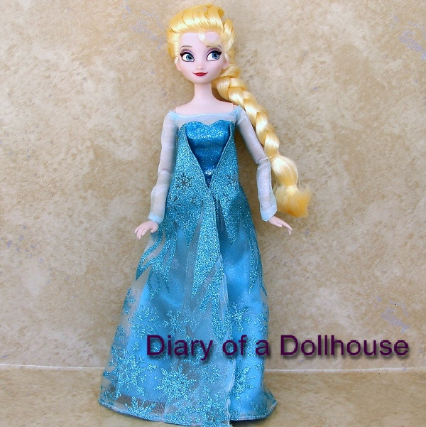 Disney Frozen Swow Queen Doll