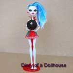 Ghoulia Yelps Physical Deaducation Classroom Doll – A Walmart Exclusive
