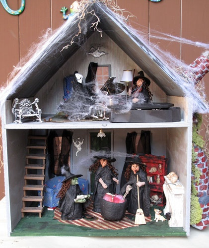 Fall Challenge and Community Halloween Dollhouse