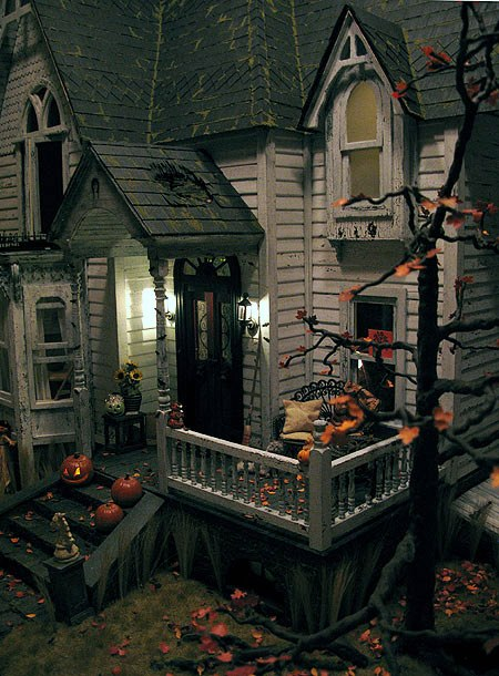 Otterine's Miniatures Haunted Heritage Dollhouse