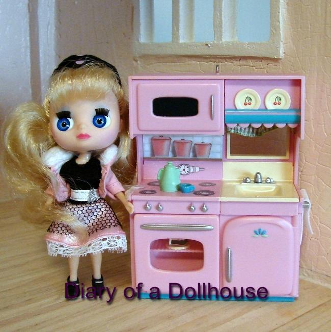 Hallmark Kitchen Blythe Doll
